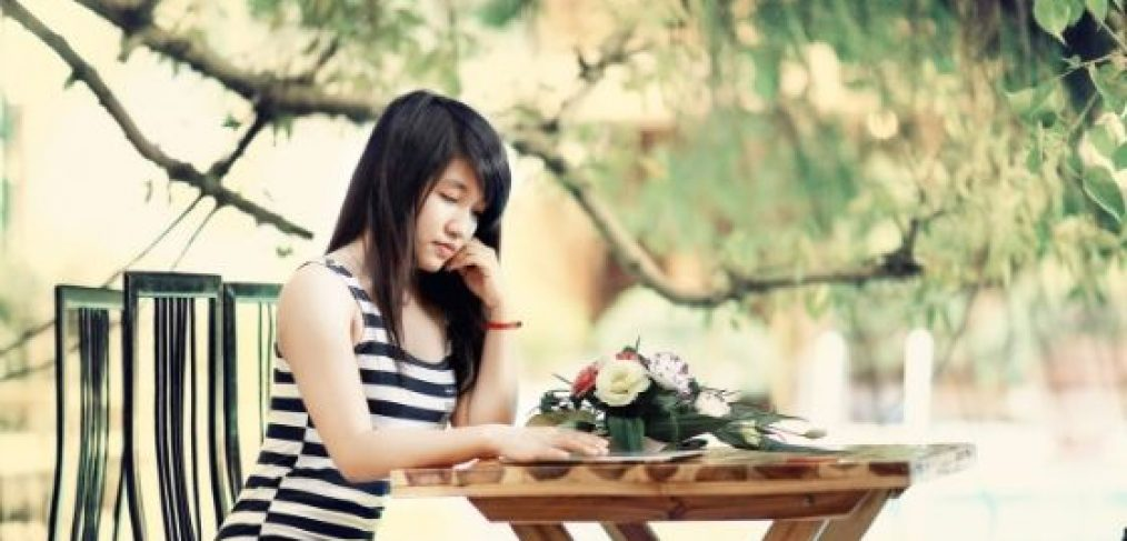 woman emotional eating intuitive eating